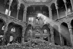 Biblioteca bombardeada de Sarajevo.