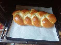 Pâine împletită de casă Bread, Recipes, Cakes, Food, Cake Makers, Brot, Recipies, Kuchen, Essen