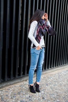 plaid zara scarf, plaid scarf, winter outfit, ripped denim, aldo dannielle booties, asos black check coat, berlin blogger, fashion blogger, ...