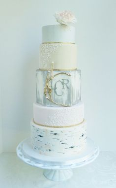 Round Wedding Cakes - {Grace} Vintage rustic love with birch, piped lace, and silver brush :) Round Wedding Cakes, Amazing Wedding Cakes, Wedding Cakes With Cupcakes, Woodsy Cake, Rustic Cake, Gorgeous Cakes, Pretty Cakes, Painted Cakes, Decorated Cakes