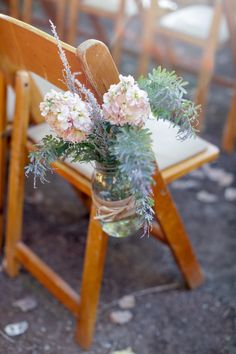 Photography: Alders Photography - aldersphotography.com  Read More: http://www.stylemepretty.com/little-black-book-blog/2014/08/26/rustic-hay-ride-wedding-at-rileys-farm/