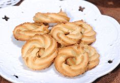 Christmas shortbread with candied orange and thyme - HQ Recipes Danish Cookies, Shortbread Biscuits, Candied Orange Peel, Danish Food, Oatmeal Cookies, Onion Rings, Quick Easy Meals, Cake Cookies, Fondue