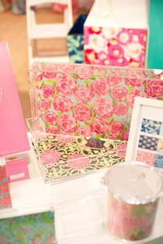 Lilly Pulitzer-patterned acrylic trays