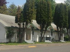 Old building next to theater in Lebanon Oregon | Architecture ...