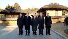 재일본조선인추모대표단 만경대 방문-《조선의 오늘》