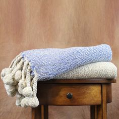 2-Pack Diamond Cotton Throws in Ivory and Blue