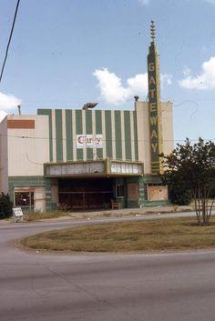 Gateway Theatre, Fort Worth, TX. (Photo: Ken Roe)