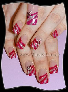 Curved stripes with accent flower nail