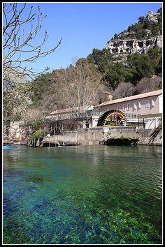 Moulin à papier de Fontaine de Vaucluse - Vallis Clausa (par redwolf8448)