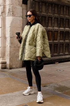 Simple Fall Outfits, Winter Fashion Outfits, Autumn Winter Fashion, Trendy Outfits, Winter Style, Looks Street Style, Cold Weather Outfits, Jeans And Sneakers, Style