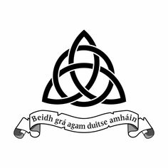 The Interlocking Triquetra Tattoo Design Also Known As Trinity Tattoo Design Trinity Knot Tattoo, Celtic Knot Tattoo, Celtic Trinity Knot, Celtic Tattoos, Viking Tattoos, Trinity Symbol, Celtic Family Tattoos, Wiccan Tattoos, Indian Tattoos