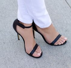 I used to have a pair just like these, only in nude. I miss them so...