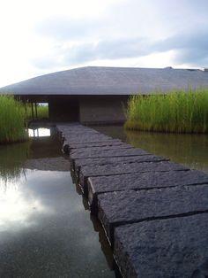 Sagawa art museum, moriyama shiga, by takenaka architects Architecture Du Japon, Contemporary Architecture, Landscape Architecture, Interior Architecture, Landscape Design, Garden Design, House Design, Museum Architecture, Le Ranch