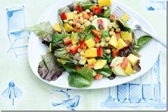 Summer Salad with Mango, Cucumber, Avocado, and Curry Vinaigrette from Choosing Raw Summertime Salads, Easy Summer Salads, Summer Recipes, Quick Recipes, Healthy Salad Recipes, Raw Food Recipes, Vegetarian Recipes, Mango Salad, Avocado Salad