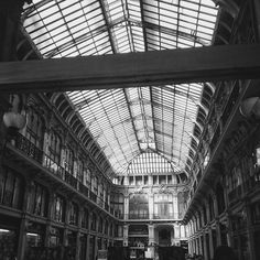 Black & white architecture in Turino... I don't remember where exactly.  #architecture  #architektur  #blackandwhitephotography  #bw  #sw #blackandwhite  #torino #turin #italy  #italien  #hall #windows  #mechtravcook  #wanderlust  #travel  #traveler  #aroundtheworld  #travelblog  #instatravel  #SmartphonePhotography  #SmartphonePics  #SamsungDeutschland  #SamsungGermany  #follow #picoftheday  #photooftheday  #instagood  #throwback  #remember