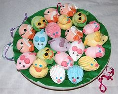 Add colourful meringue animals to your child's party menu Baking Cupcakes, Cupcake Cookies, Cupcake Toppers, Bar Mitzvah Decorations, Egg White Recipes, Best Sweets, Edible Food, How To Eat Better, Animal Birthday