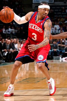 NBA - Allen Iverson's enigmatic NBA career defied definition - ESPN that is how it is done Basketball Tricks, Basketball Is Life, Basketball Pictures, Basketball Legends, Sports Basketball, Sports Pictures, College Basketball, Basketball Players, Kentucky Basketball