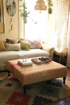 DIY Reversible Ottoman Cover ++ via @Justina Siedschlag Blakeney