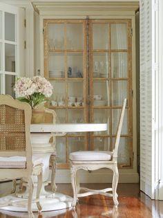 Dining Room from {My Design Chic} #VintageStorehouseStyle #DiningRoomInspiration #DiningRoomDecor