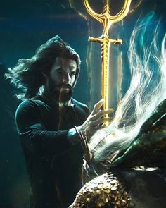 Aquaman receives the Trident Aquaman Film, Aquaman 2018, Aquaman Actor, Fiction Movies, Dc Movies, Movies Online, Dc Comics Art, Marvel Dc Comics, Marvel Cinematic Universe