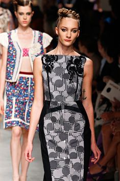 Antonio Marras Spring 2012 Ready-to-Wear Collection Photos - Vogue Fashion Brand, Fashion Show, Womens Fashion, Antonio Marras, Fashion Details, Fashion Design, Catwalk Fashion, One Piece Dress, Style Guides