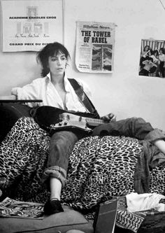 """*Patti Smith* """"Robert called me before the shoot and said 'I don't care what you do or what you wear but don't have spaghetti stains on your shirt. Music Icon, My Music, Music Life, Rock N Roll, Just Kids, New Wave, Idole, Emotion, Post Punk"""