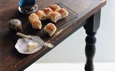 Featherlight Yeast Rolls: 2000s Recipes + Menus : gourmet.com