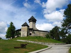 Velika Kladusa, Bosnia-Herzegovina, Castle