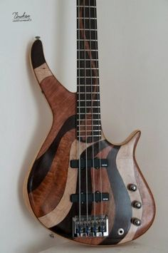 Briken Guitars 4 Telli Bass