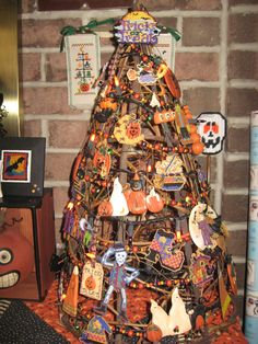 My Halloween tree decorated with some Mill Hill beaded ornaments I made!
