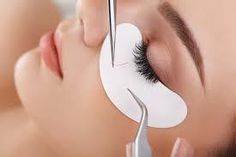 As an aesthetician (or someone dreaming of becoming one), you have probably been wondering if you should get trained in eyelash extensions. As lash extensions c