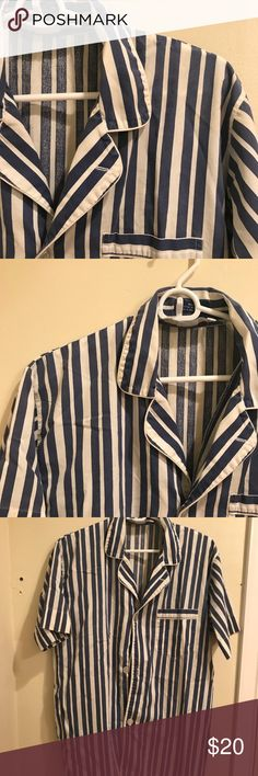 {Towncraft} Men's button down striped shirt Cream and blue striped men's t shirt size medium. EUC! 20% Polyester, 60% Cotton Towncraft Shirts Casual Button Down Shirts