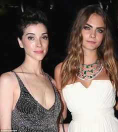 Delevingne started dating 33-year-old singer Annie Clark (left) - a.ka. St…