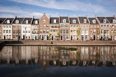 De wijk 'Brandevoort' in Helmond is een goed voorbeeld voor neo-traditionalisme. De wijk werd ontworpen als een oud Brabants dorp met een landelijke uitsraling, dat de bewoners warmte, geborgenheid en identiteit moet bieden. Brandevoort (2015). Woonsferen. Opgeroepen op februari 21, 2015 van Brandevoort: http://www.brandevoort.nl/over-brandevoort/woonsferen/