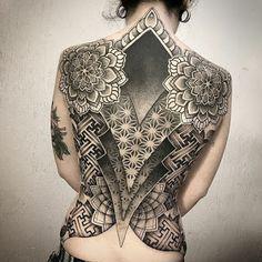 Back Tattoo for women Full Tattoo, Full Back Tattoos, Back Tattoo Women, Cover Tattoo, Tatoo Henna, Tatoo Art, Unique Tattoos, Cute Tattoos, Tattoo Espalda Mujer