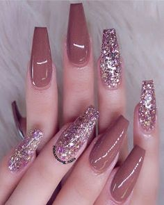 40 Newest Acrylic Coffin Nail Trends 2019 Metallic Nails, Cute Acrylic Nails, Acrylic Nail Designs, Cute Nails, Pretty Nails, Glitter Manicure, Fabulous Nails, Perfect Nails, Gorgeous Nails