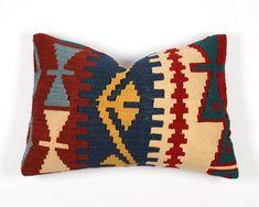 Kilim pillow cover 16x24 lumbar 40x60 case boho brick red blue | Etsy Living Room Pillows, Throw Pillows Bed, Boho Pillows, Pink Cushions, Kilim Cushions, Moroccan Cushions, Long Pillow, Vintage Interior Design, Cabin Ideas
