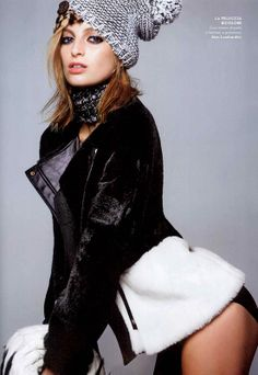 VANITY FAIR Italia - December issue 2013 n.49-2013 _ Pag. 171: Two-colors fur coat with inner leather covering by #AtosLombardini __ #winter #outfit #bw #girlie