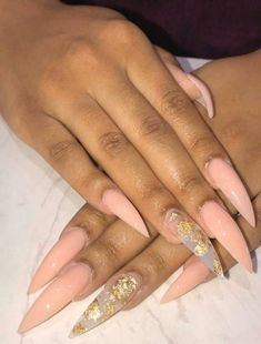 Want some ideas for wedding nail polish designs? This article is a collection of our favorite nail polish designs for your special day. Summer Acrylic Nails, Best Acrylic Nails, Pointy Acrylic Nails, Nail Polish Designs, Acrylic Nail Designs, Nails Design, Gel Polish, Stiletto Nails, Coffin Nails