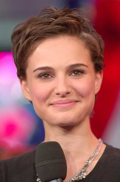 Natalie Portman pixie haircut-- everyone is chopping off their hair!!