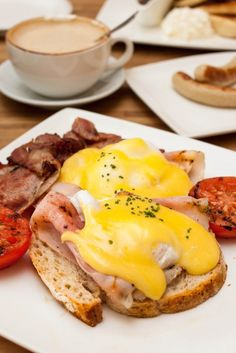 All Day Breakfast - Eggs Benedict at Othello's Cafe Bar, Greenwood Avenue, Singapore