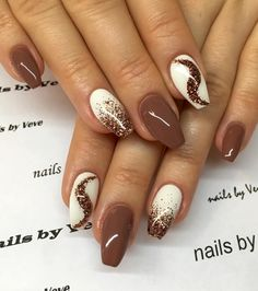 15 Anti-French Winter Nail Art Ideas You Can't Resist Tan Nails, Gold Nails, Cute Nails, Brown Nail Art, Brown Nails, Winter Nail Art, Winter Nails, Uñas Color Cafe, Almond Nail Art