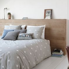 Lovely bedcover from Walra. Home Bedroom, Girls Bedroom, Bedrooms, Taupe, Creative Home, Future House, Comforters, Throw Pillows, Blanket