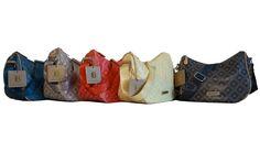 Praticissima questa tracolla di misura media, in vendita qui: http://www.amazon.it/Laura-Biagiotti-Priscilla-modello-tracolla/dp/B01D1HBOX0/ref=sr_1_11?m=AMVJO3UPU429R&s=merchant-items&ie=UTF8&qid=1458148718&sr=1-11