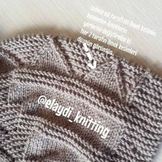Baby boy cardigan in our site as narrated stages of construction . Baby Boys, Kids Boys, Baby Wallpaper, Kids Fashion Blog, Boy Fashion, Baby Boy Cardigan, Latest Street Fashion, Kind Mode, Baby Knitting