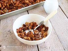 The 30 Best Keto Breakfast Recipes! - The Nourished Caveman Best Keto Breakfast, Sweet Breakfast, Breakfast Recipes, Ketogenic Recipes, Low Carb Recipes, Real Food Recipes, Paleo Recipes, Muesli Recipe, Best Granola