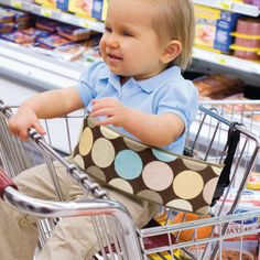 Wrap Strap Shopping Cart Safety Strap: Baby sewing-for-babies-or-toddlers Sewing For Kids, Baby Sewing, Baby Shopping Cart Cover, Shopping Carts, Diy Bebe, Diy Couture, Baby Safety, Baby Crafts, Future Baby
