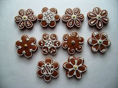 Fotka Christmas Gingerbread House, Christmas Sweets, Christmas Baking, Christmas Diy, Cute Cookies, Cupcake Cookies, Gingerbread Cookies, Christmas Cookies, Biscuit Decoration
