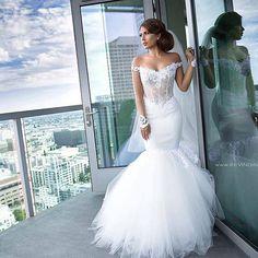 Noivinha maravilhosa!!👰 . By:@arsine_karozabridalinc . . . . . #sexy #details #detalhes #dream #dress #dresses #vestido #colors #weddingday #weddingphotography #wedding #weddings #weddingdress #beautiful #bride #brides #bridal #casamento #noiva #noivas #l4l #like4like #inspiração #instagram #instagood #groom #instago #blog #sonhocasamento