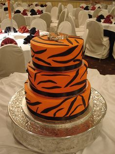 cincinnati wedding cake cotillion events wedding cake bengals july 09 16 by cotillion events via